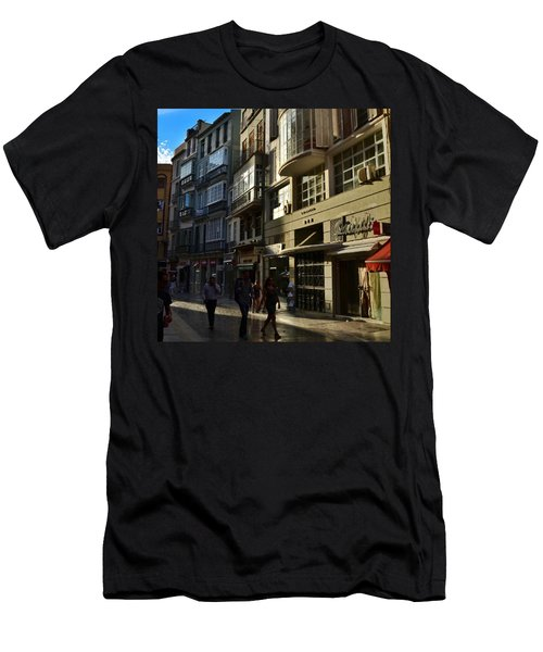 Por Las Calles Del Centro De #malaga Men's T-Shirt (Athletic Fit)