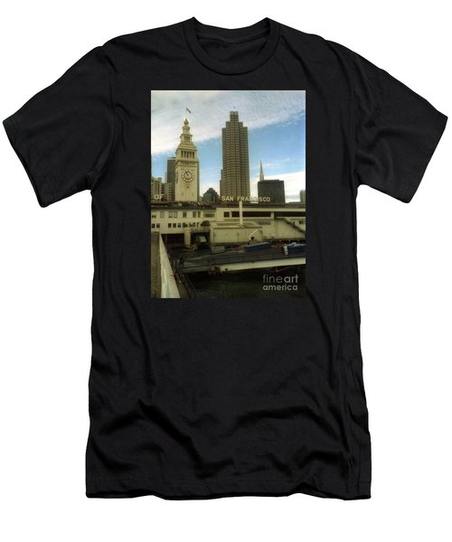 port of San Francisco  Men's T-Shirt (Athletic Fit)