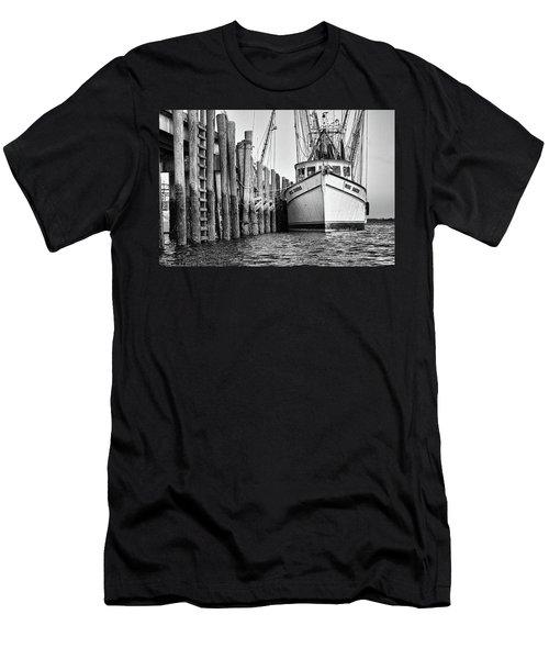 Port Royal - Miss Sandra Men's T-Shirt (Athletic Fit)