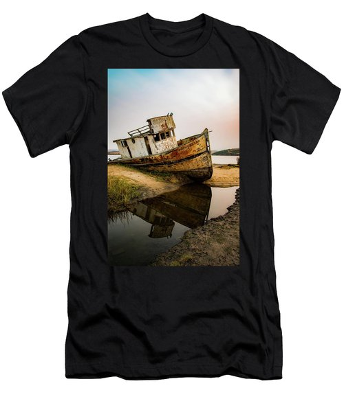 Pt. Reyes Shipwreck 1 Men's T-Shirt (Athletic Fit)