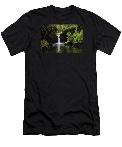 Punchbowl Falls Men's T-Shirt (Athletic Fit)
