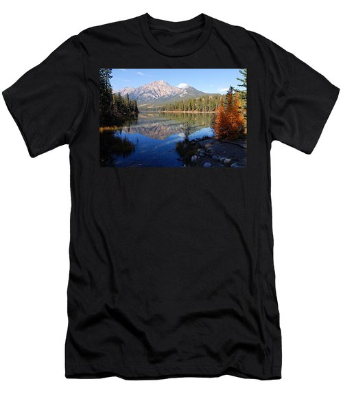 Pyramid Moutain Reflection Men's T-Shirt (Athletic Fit)