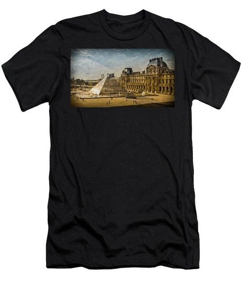Paris, France - Pyramide Men's T-Shirt (Athletic Fit)