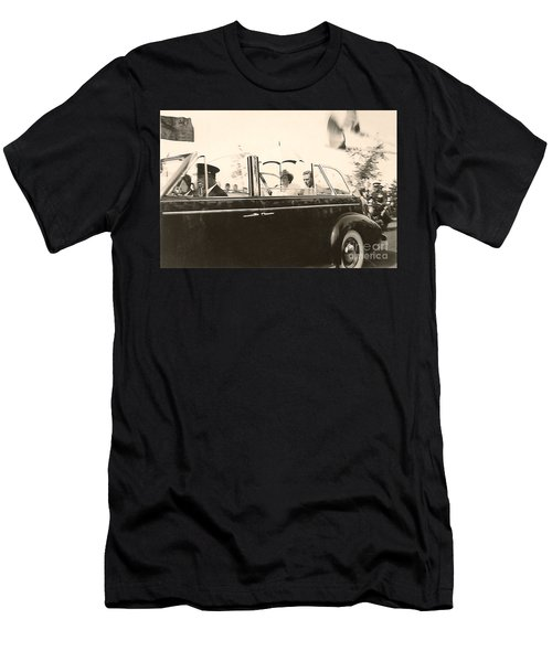 Queen Elizabeth And King George Vi Men's T-Shirt (Athletic Fit)