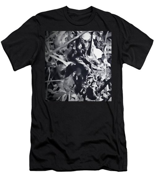 Queen Of Throne Men's T-Shirt (Athletic Fit)