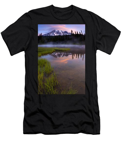 Rainier Sunrise Cap Men's T-Shirt (Athletic Fit)