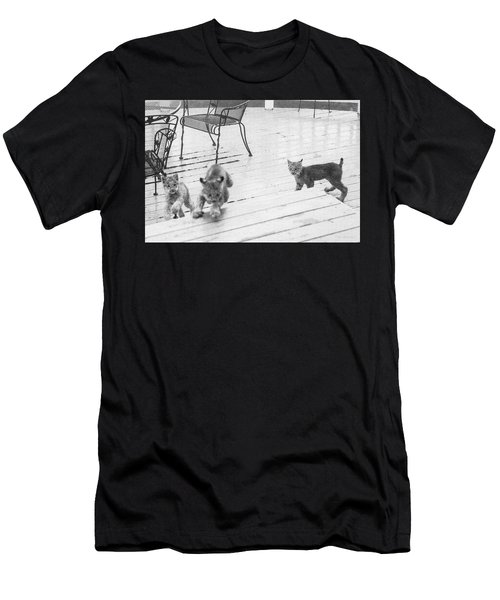 Relay Chase Men's T-Shirt (Athletic Fit)