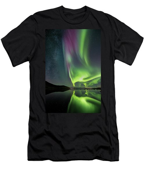 Red Auroras And A Faint Milky Way Men's T-Shirt (Athletic Fit)