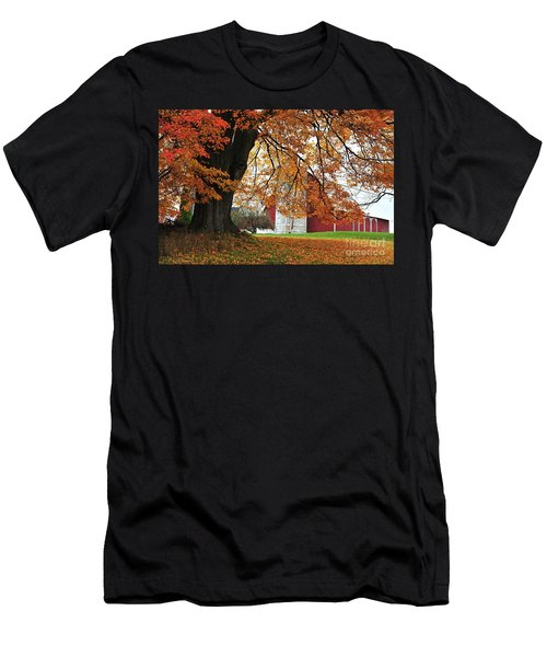 Red Barn In Autumn Men's T-Shirt (Athletic Fit)
