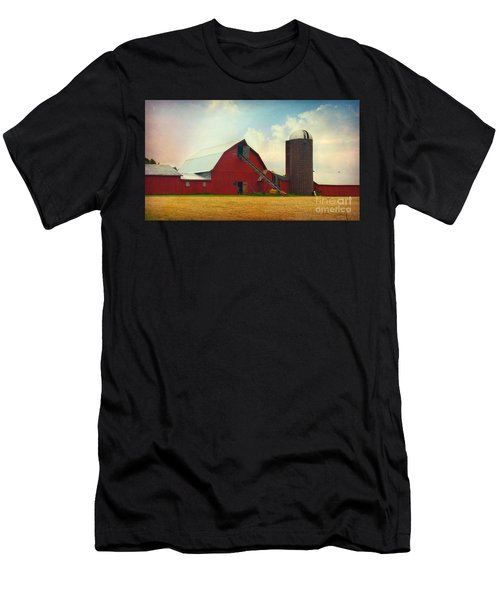 Red Barn Silo Men's T-Shirt (Athletic Fit)