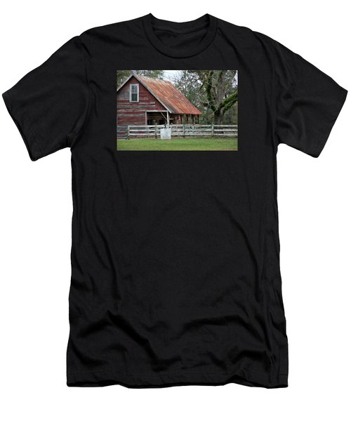 Red Barn With A Rin Roof Men's T-Shirt (Slim Fit)