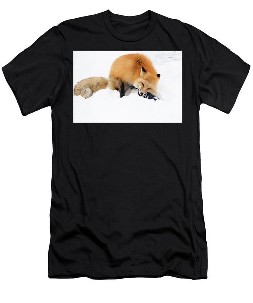 Red Fox To Base Men's T-Shirt (Athletic Fit)