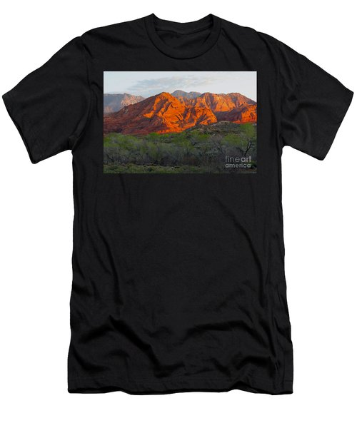 Red Hills Men's T-Shirt (Athletic Fit)