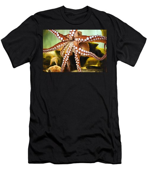 Red Octopus Men's T-Shirt (Athletic Fit)