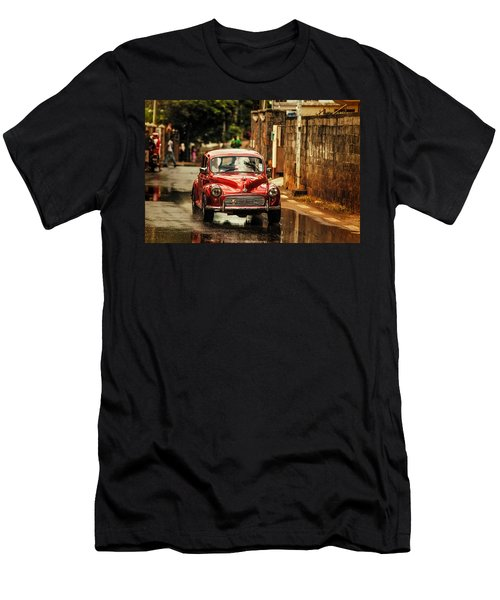 Red Retromobile. Morris Minor Men's T-Shirt (Athletic Fit)
