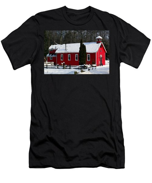Red Schoolhouse At Christmas Men's T-Shirt (Athletic Fit)