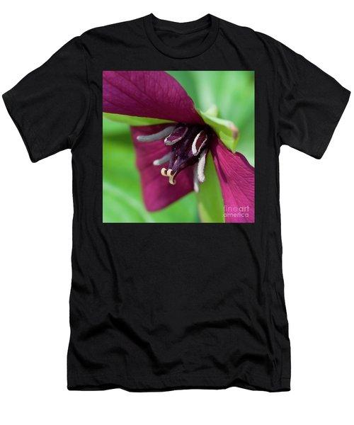 Red Trillium.. Men's T-Shirt (Athletic Fit)