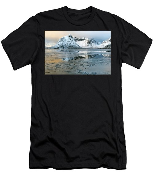 Reine, Lofoten 5 Men's T-Shirt (Athletic Fit)