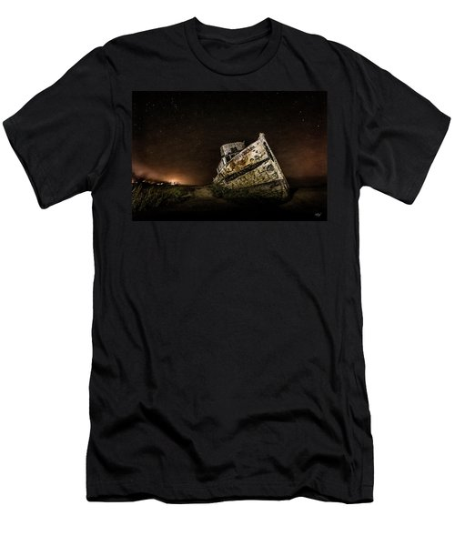 Reyes Shipwreck Men's T-Shirt (Athletic Fit)
