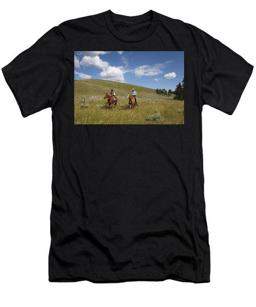 Riding Fences Men's T-Shirt (Athletic Fit)