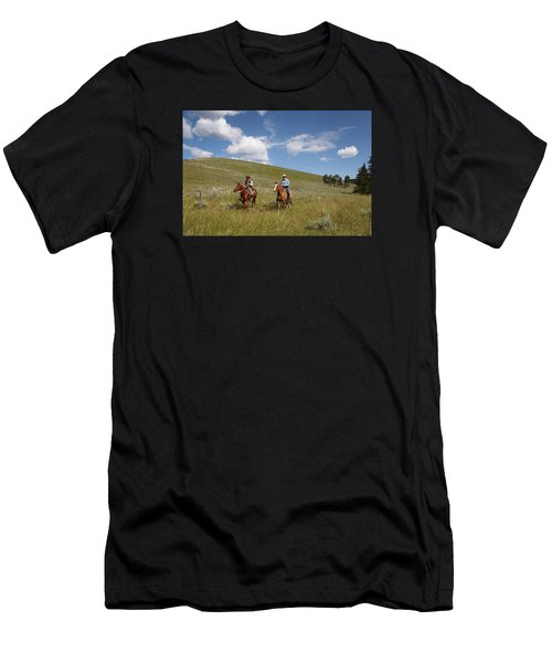 Riding Fences Men's T-Shirt (Slim Fit)