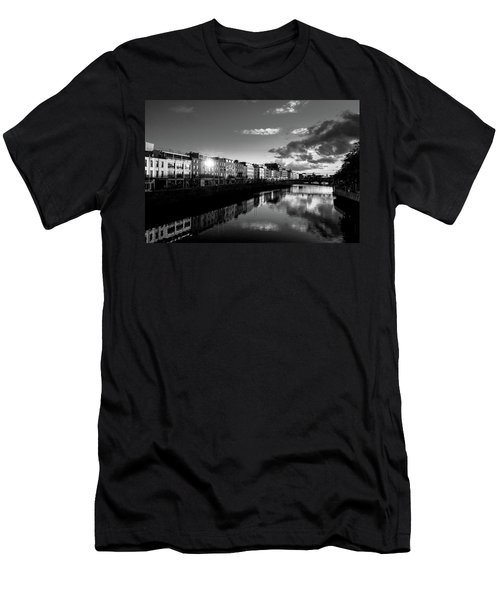 River Liffey Men's T-Shirt (Athletic Fit)