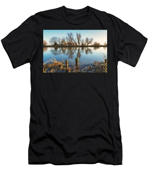 Riverside Trees Men's T-Shirt (Athletic Fit)