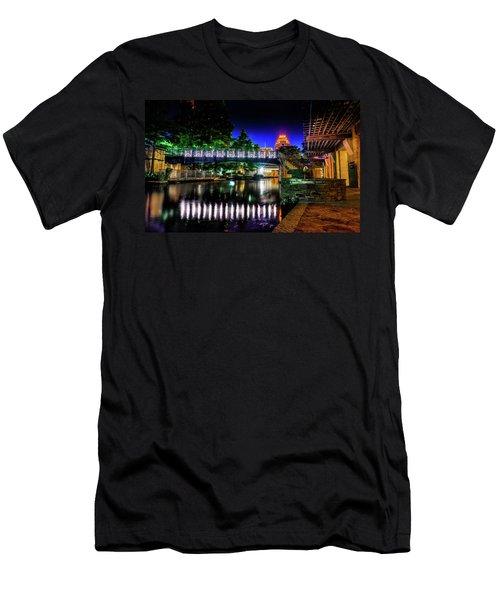 Riverwalk Bridge Men's T-Shirt (Athletic Fit)
