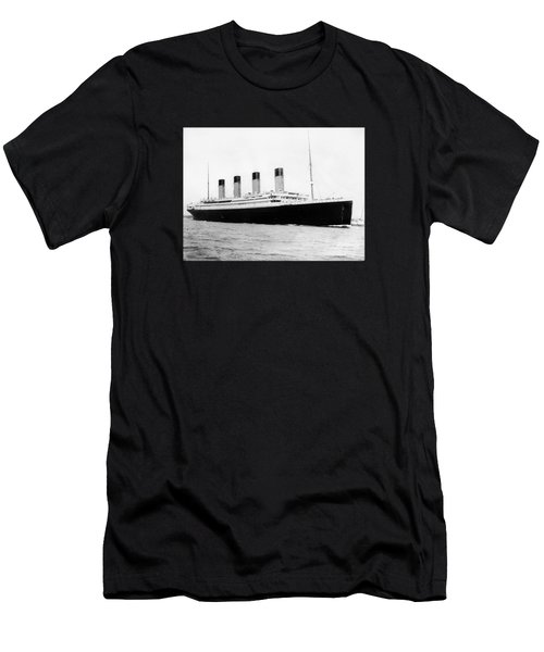 Rms Titanic Men's T-Shirt (Athletic Fit)