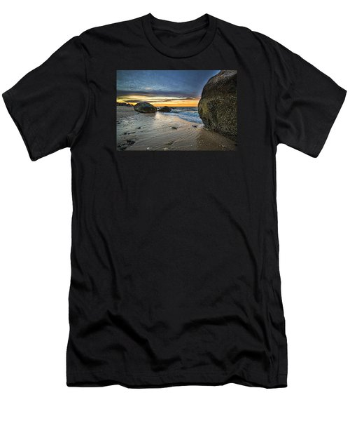 Roanoke Sunset Men's T-Shirt (Athletic Fit)