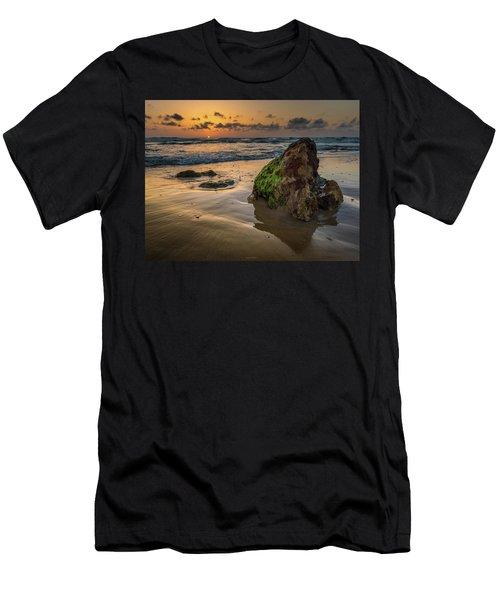 Rocky Sunset Men's T-Shirt (Athletic Fit)