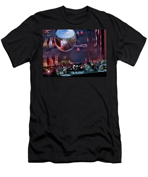 Roger Waters 2017 Tour - Breathe  Men's T-Shirt (Athletic Fit)