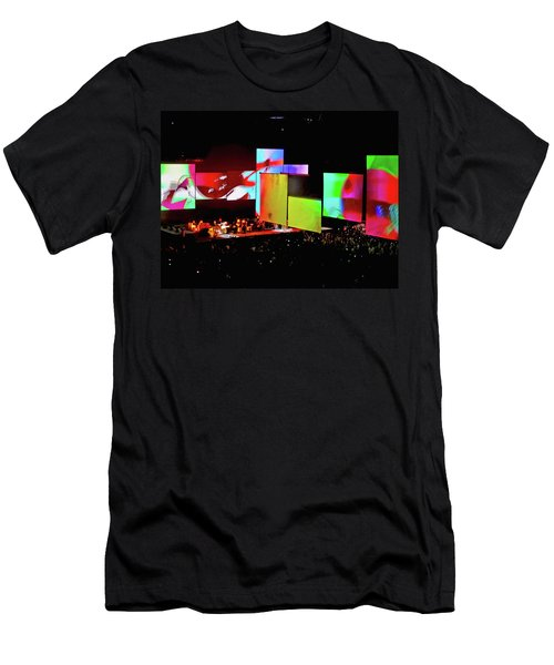 Roger Waters Tour 2017 - Another Brick In The Wall IIi Men's T-Shirt (Athletic Fit)