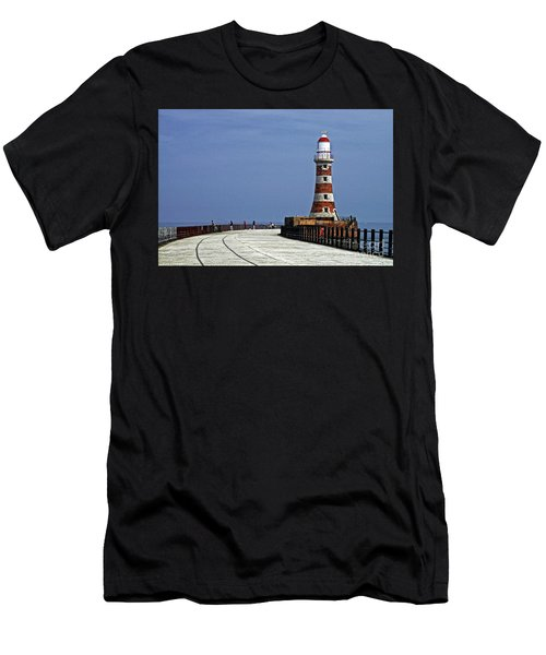 Roker Lighthouse Sunderland Men's T-Shirt (Athletic Fit)