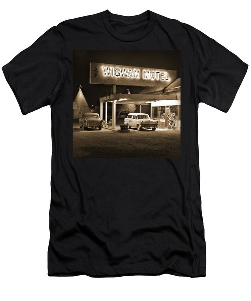 Route 66 - Wigwam Motel Men's T-Shirt (Athletic Fit)