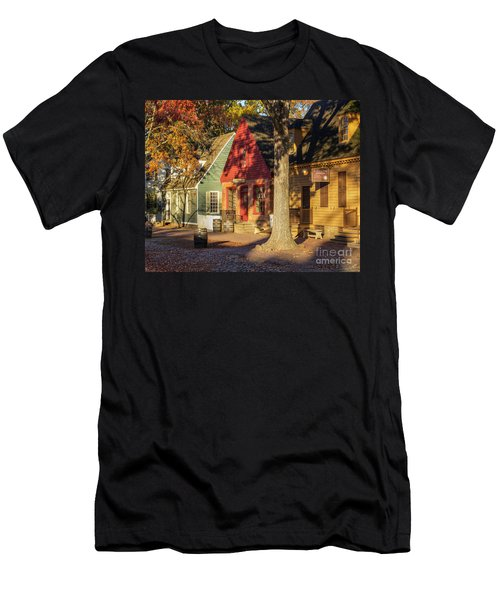 Row Houses Duke Of Gloucester Colonial Williamsburg Men's T-Shirt (Athletic Fit)