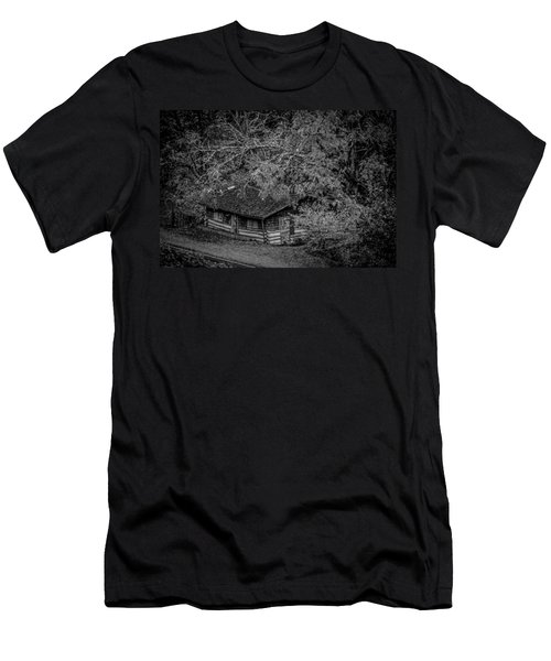 Rustic Log Cabin In Black And White Men's T-Shirt (Athletic Fit)