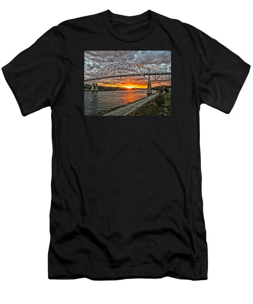 Sagamore Bridge Sunset Men's T-Shirt (Athletic Fit)