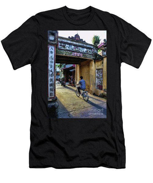 Saigon History  Men's T-Shirt (Athletic Fit)