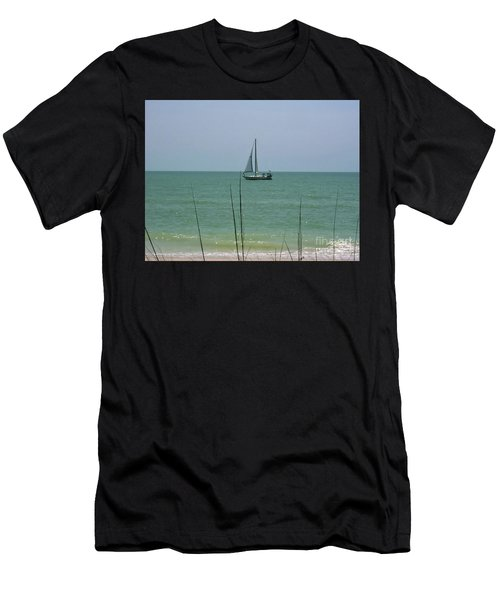 Sailing In The Gulf Men's T-Shirt (Athletic Fit)