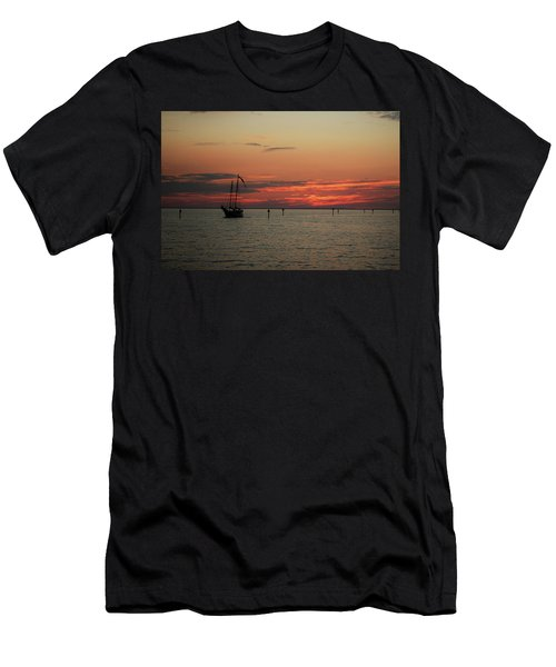 Sailing Sunset Men's T-Shirt (Athletic Fit)