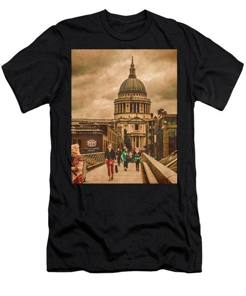 London, England - Saint Paul's In The City Men's T-Shirt (Athletic Fit)