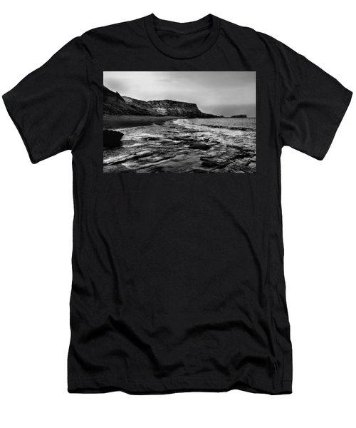 Saltwick Bay Men's T-Shirt (Athletic Fit)