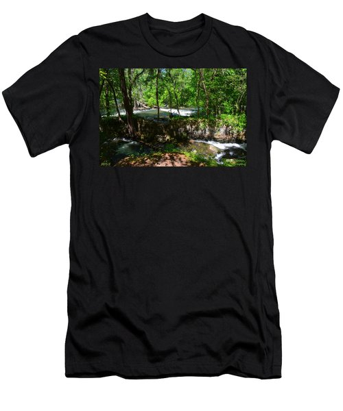 Saluda River Columbia Sc Men's T-Shirt (Athletic Fit)