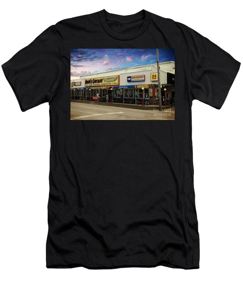 Sams Corner Garden City Sc Men's T-Shirt (Athletic Fit)