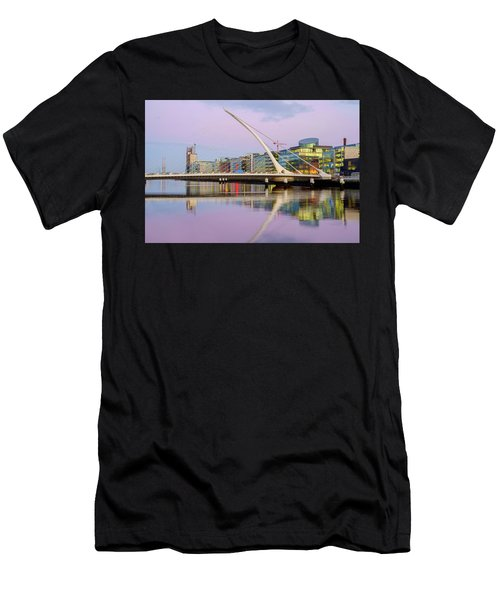 Samuel Beckett Bridge At Dusk Men's T-Shirt (Athletic Fit)