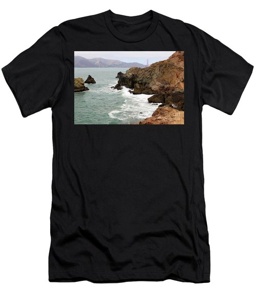 San Francisco Lands End Men's T-Shirt (Athletic Fit)