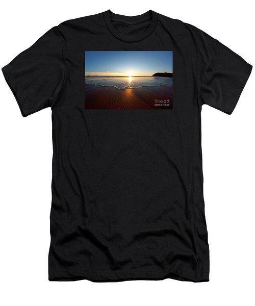 Sand Textures Men's T-Shirt (Athletic Fit)