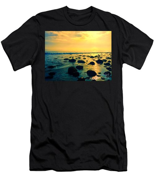 Santa Barbara California Ocean Sunset Men's T-Shirt (Athletic Fit)