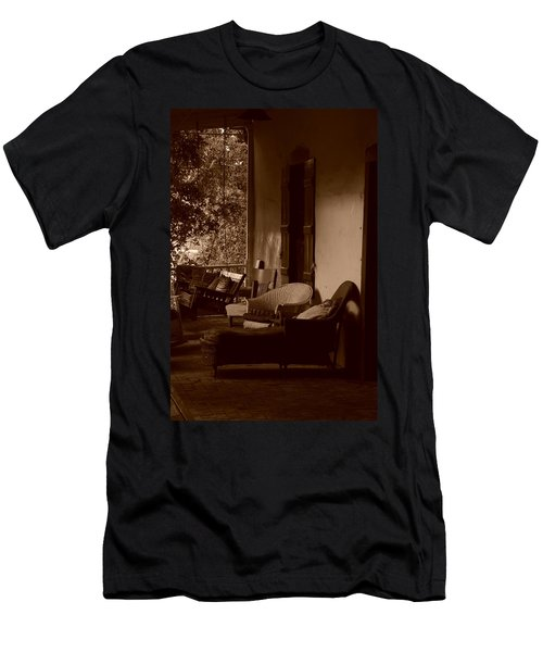 Santa Fe Porch Men's T-Shirt (Athletic Fit)